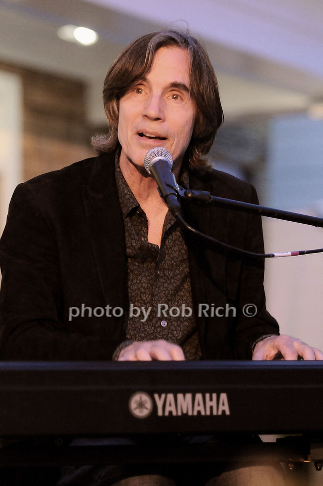 Jackson Browne performs at the Oceana fundraiser in Watermill on July 10, 2010. photo by Rob Rich/SocietyAllure.com