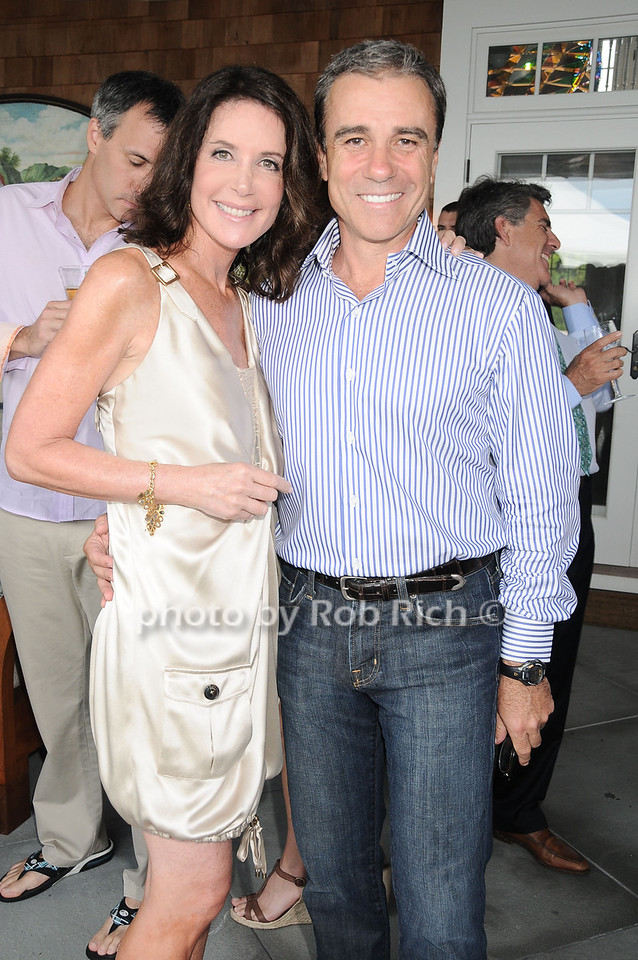 Lois Robbins and Andrew Zaro at the Oceana fundraiser in Watermill on July 10, 2010. photo by Rob Rich/SocietyAllure.com