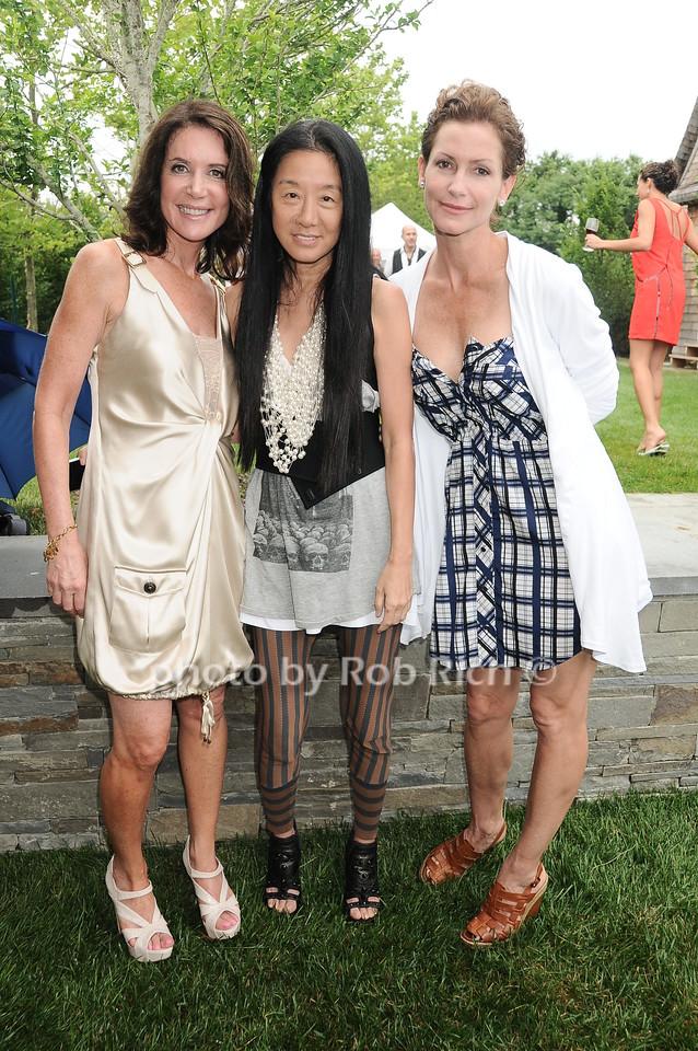 Lois Robbins, Vera Wang, Lorna Brett Howard photo by Rob Rich © 2010 robwayne1@aol.com 516-676-3939