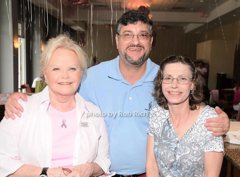 Jane Pontarelli, Bob Kandell, Maryann Kandell<br /> photo by Rob Rich © 2010 robwayne1@aol.com 516-676-3939