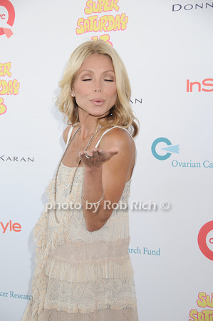Kelly Ripa<br /> photo by Rob Rich © 2010 robwayne1@aol.com 516-676-3939