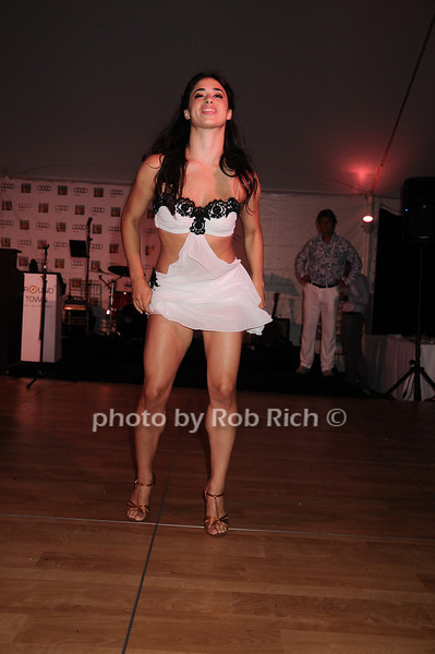 Jeanine Mason<br /> photo by Rob Rich © 2010 robwayne1@aol.com 516-676-3939