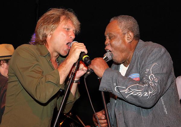 Jon Bon Jovi and Sam Moore 6