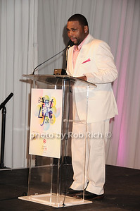 Actor Anthony Anderson at the Art for Life 2010 gala at the estate of Russell Simmons in East Hampton on July 24, 2010. photo by Rob Rich/SocietyAllure.com