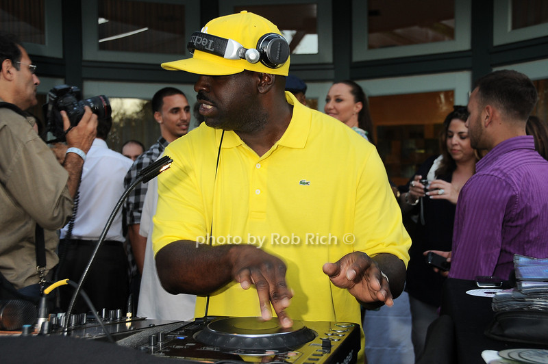 DJ Master Flash photo by Rob Rich © 2010 robwayne1@aol.com 516-676-3939
