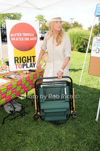 Christy Brinkley photo by Rob Rich © 2010 robwayne1@aol.com 516-676-3939