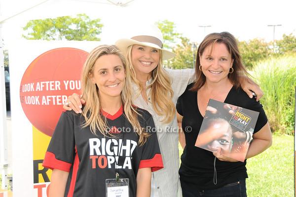 Samananta Lobosco, Christy Brinkley, Mindy Moak<br /> photo by Rob Rich © 2010 robwayne1@aol.com 516-676-3939