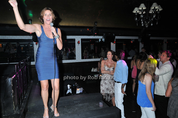 Luann de Lesseps <br /> photo by Rob Rich © 2010 robwayne1@aol.com 516-676-3939
