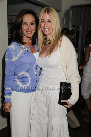 Rosanna Scotto, Linda Martin<br />  photo by Rob Rich © 2010 robwayne1@aol.com 516-676-3939