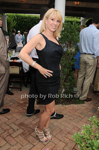 Ramona Singer at the Hamptons Magazine Cover Party for Beth Ostosky at Savannah Restaurant in Southampton on July 9, 2010. photo by Rob Rich/SocietyAllure.com