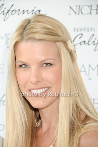 Beth Ostrosky photo by Rob Rich © 2010 robwayne1@aol.com 516-676-3939