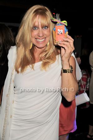 Caroline Lieberman<br /> photo by Rob Rich © 2010 robwayne1@aol.com 516-676-3939