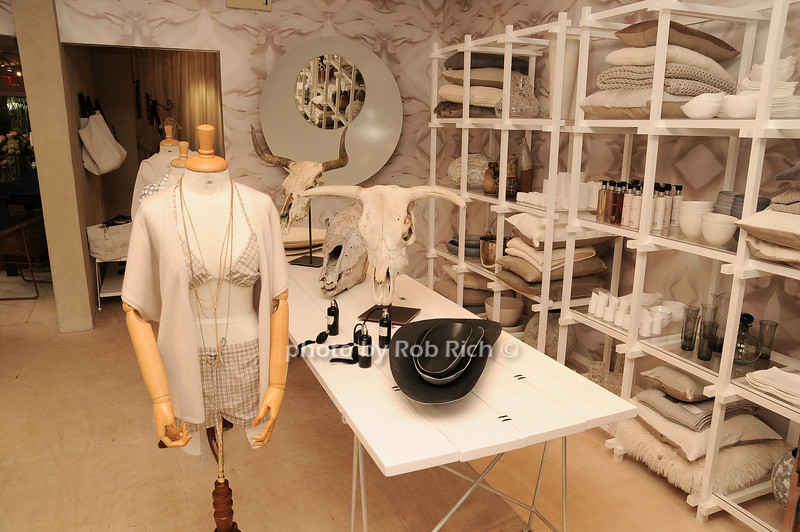 Jarlath Mellett shop in Amagansett<br /> photo by Rob Rich/SocietyAllure.com © 2010 robwayne1@aol.com 516-676-3939