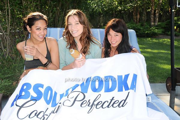 Kara Araneta, Lauren Berlingerr,  Lisa Leung<br /> photo by Rob Rich © 2010 robwayne1@aol.com 516-676-3939
