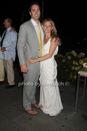 Wedding Couple<br /> photo by Rob Rich © 2010 robwayne1@aol.com 516-676-3939