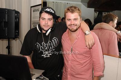 DJ Vibe photo by Rob Rich © 2010 robwayne1@aol.com 516-676-3939