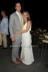 Wedding Couple photo by Rob Rich © 2010 robwayne1@aol.com 516-676-3939
