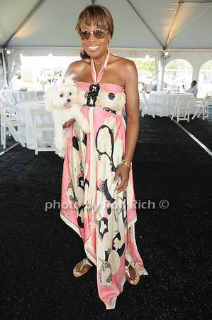 Star Jones attending the annual Hampton's Magazine Clambake at the Montauk Yacht Club in Montauk on July 18,2010. photo by Rob Rich/SocietyAllure.com