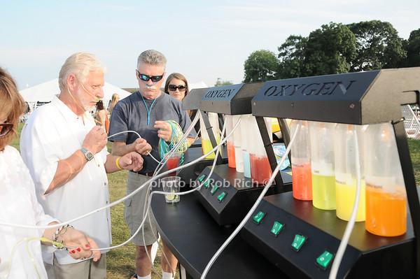 oxygen bar<br /> photo by Rob Rich © 2010 robwayne1@aol.com 516-676-3939