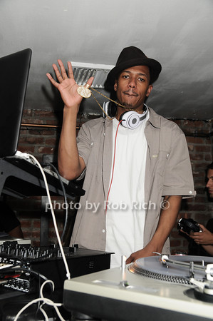 "Nick Cannon, of ""America's Got Talent"", takes time from his busy schedule to guest DJ at Bamboo in Easthampton on July 3, 2010. photo by Rob Rich/SocietyAllure.com"