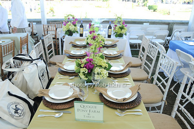 Quoge Pony Farm table photo by Rob Rich © 2010 robwayne1@aol.com 516-676-3939