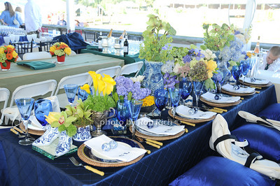 Leat table photo by Rob Rich © 2010 robwayne1@aol.com 516-676-3939