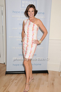 Countess Luann de Lesseps 5-29-10 @ The Miracle House 20th.Anniversary Benefit @ the Bridgehampton Surf and Tennis Club in Bridgehampton. photo by Rob Rich/SocietyAllure.com © 2010 robwayne1@aol.com 516-676-3939
