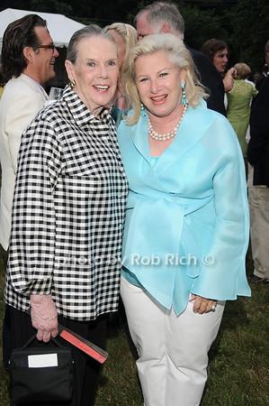 Barbara Sloane, Elizabeth Robertson<br /> photo by Rob Rich © 2010 robwayne1@aol.com 516-676-3939