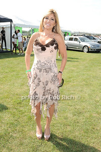 Cheryl Mercuris photo by Rob Rich © 2010 robwayne1@aol.com 516-676-3939