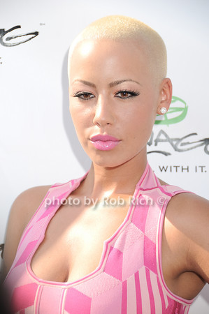 Amber Rose<br /> photo by Rob Rich © 2010 robwayne1@aol.com 516-676-3939