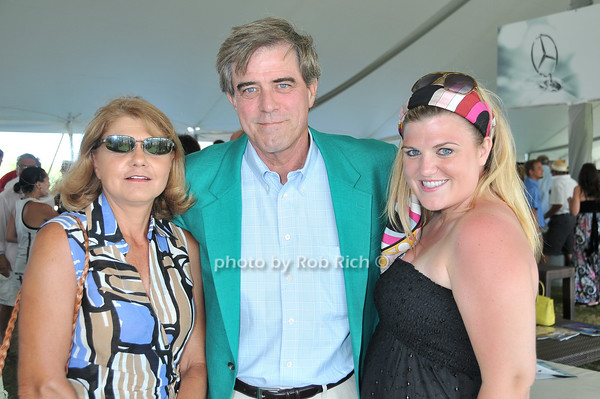 Susie Griffith, Mark Griffith, Carson Griffith<br /> photo by Rob Rich © 2010 robwayne1@aol.com 516-676-3939