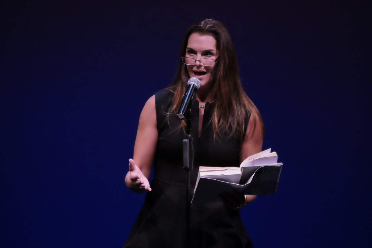 Brooke Shields reads from the autobiography of Kris Jenner at 