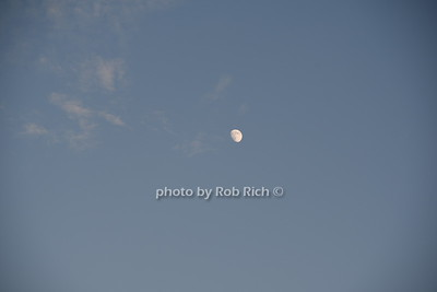 Moon rise over Montauk photo  by Rob Rich/SocietyAllure.com © 2016 robwayne1@aol.com 516-676-3939
