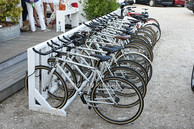 bicycles photo  by Rob Rich/SocietyAllure.com © 2016 robwayne1@aol.com 516-676-3939
