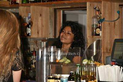 bartender  photo by Rob Rich/SocietyAllure.com © 2016 robwayne1@aol.com 516-676-3939