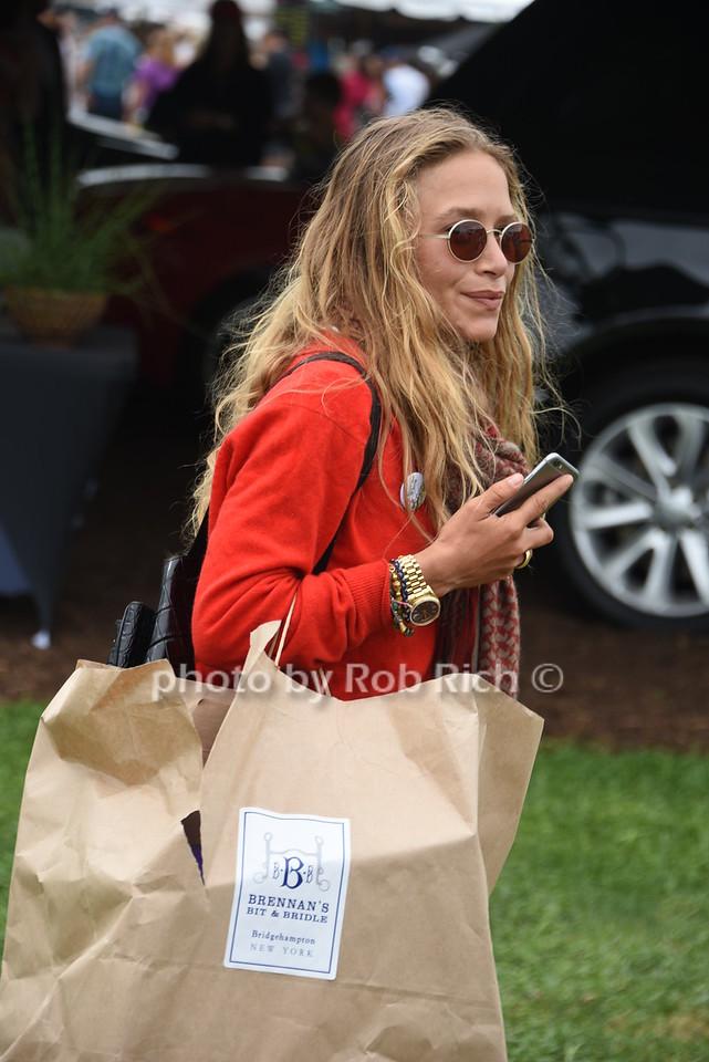 Mary-Kate Olsen photo by Rob Rich/SocietyAllure.com © 2016 robwayne1@aol.com 516-676-3939