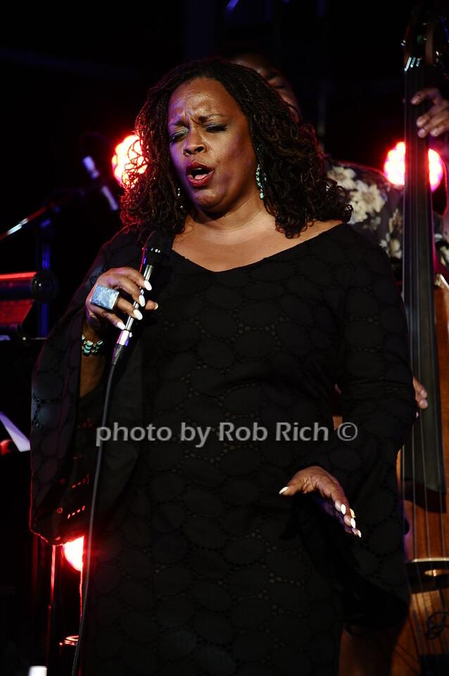 Dianne Reevesphoto by Rob Rich/SocietyAllure.com © 2016 robwayne1@aol.com 516-676-3939