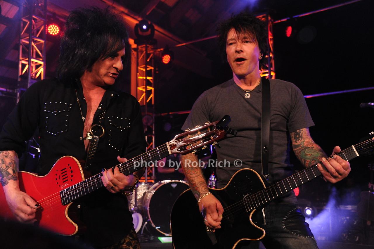 Billy Idol guitaristphoto by Rob Rich/SocietyAllure.com © 2016 robwayne1@aol.com 516-676-3939