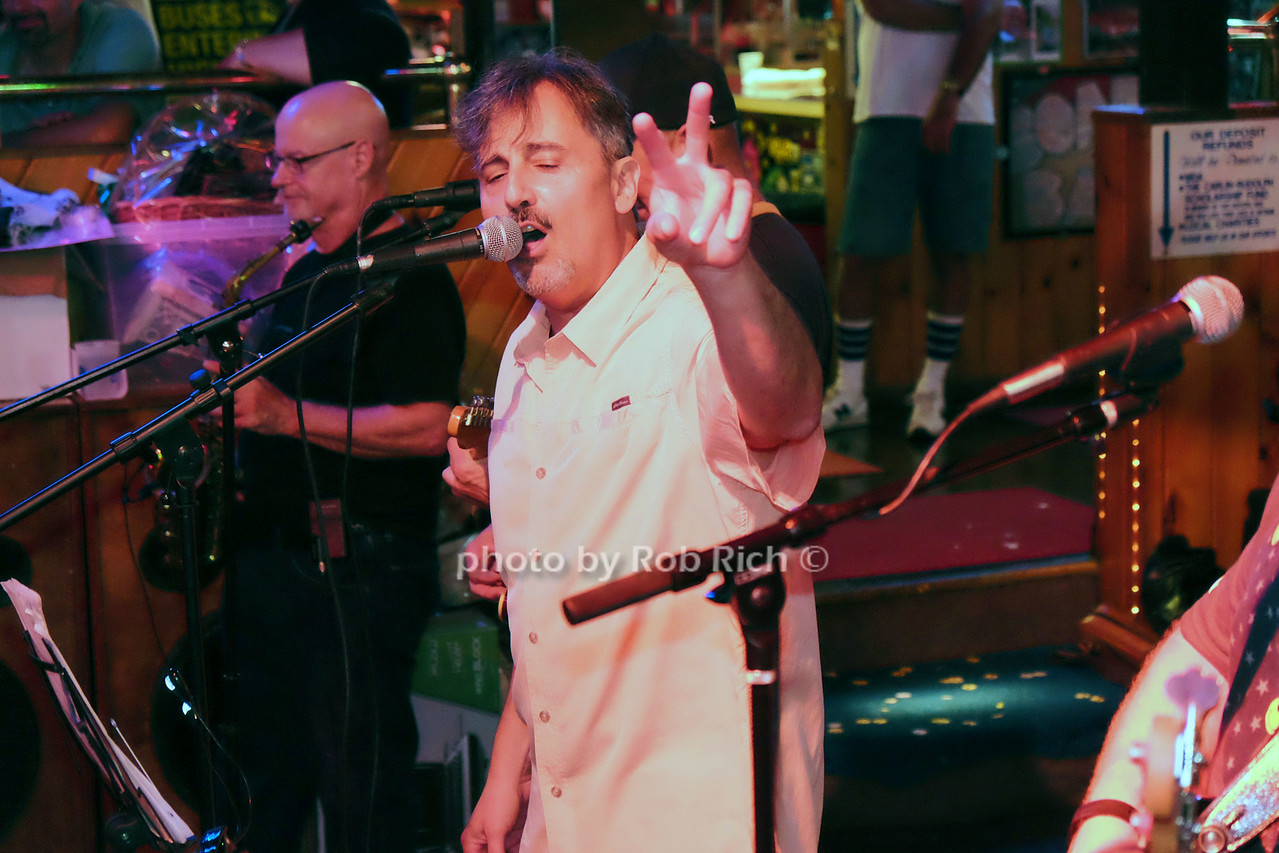 photo by Rob Rich/SocietyAllure.com © 2016 robwayne1@aol.com 516-676-3939 Band singer in Second Shift band