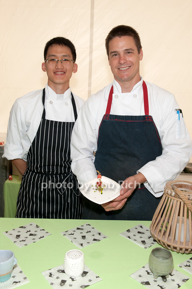 CHris Park and Chef Dominic Rice - Calissa Restaurant photo by D.Gonzalez for Rob Rich/SocietyAllure.com ©2017 robrich101@gmail.com 516-676-3939