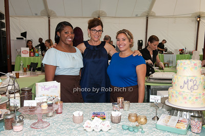 Magnolia Bakery; henequa Hall and Bobbie Lloyd and Chrtista Litrenta photo by D.Gonzalez for Rob Rich/SocietyAllure.com ©2017 robrich101@gmail.com 516-676-3939