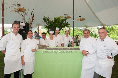 Gabriel Kreuther Restautant; front row only ; Robert Pugh and Pricilla Scaft Mariani and Chef Gabriel Kreuther and Marc Aumont photo by D.Gonzalez for Rob Rich/SocietyAllure.com ©2017 robrich101@gmail.com 516-676-3939