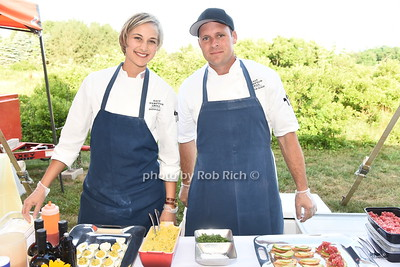 Chefs Sasha Elkin and Andrew Schor from EAST HAMPTON GRILL  serving their culinary delights the 28th.Annual SOFO Summer Gala at the South Fork Natural History Museum in Bridgehampton on Saturday, July 8, 2017. photos by Rob Rich/SocietyAllure.com ©2017 robrich101@gmail.com 516-676-3939
