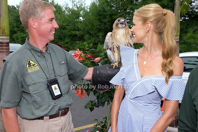 Jim MacDougall with a Red Tailed Hawk, Beth Stern photo by Rob Rich/SocietyAllure.com ©2017 robrich101@gmail.com 516-676-3939
