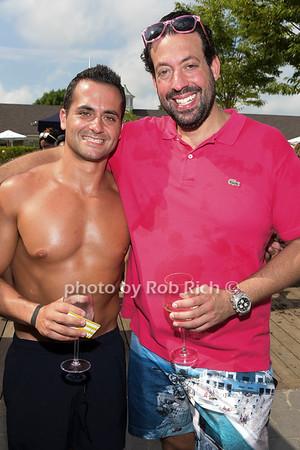 La Nuit En Rose' Pool party
