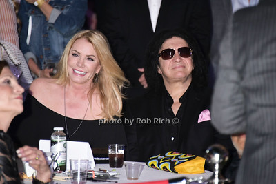 Shannon Tweed and Gene Simmons photo  by Rob Rich/SocietyAllure.com ©2017 robrich101@gmail.com 516-676-3939