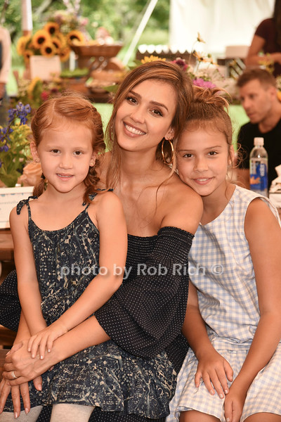 Haven Garner Warren, Jessica Alba, Honor Marie Warren  photo by Rob Rich/SocietyAllure.com ©2017 robrich101@gmail.com 516-676-3939