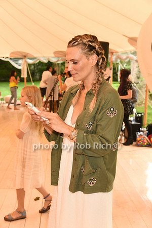 Molly Sims photo by Rob Rich/SocietyAllure.com ©2017 robrich101@gmail.com 516-676-3939