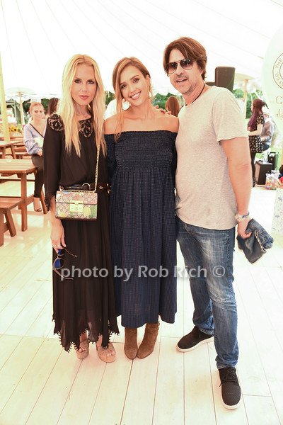Rachel Zoe, Jessica Alba, and Rodger Berman photo by Rob Rich/SocietyAllure.com ©2017 robrich101@gmail.com 516-676-3939