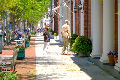 masked pedestrians in Southampton May 21, 2020: Hamptons photo by Rob Rich/SocietyAllure.com ©2020 robrich101@gmail.com 516-676-3939